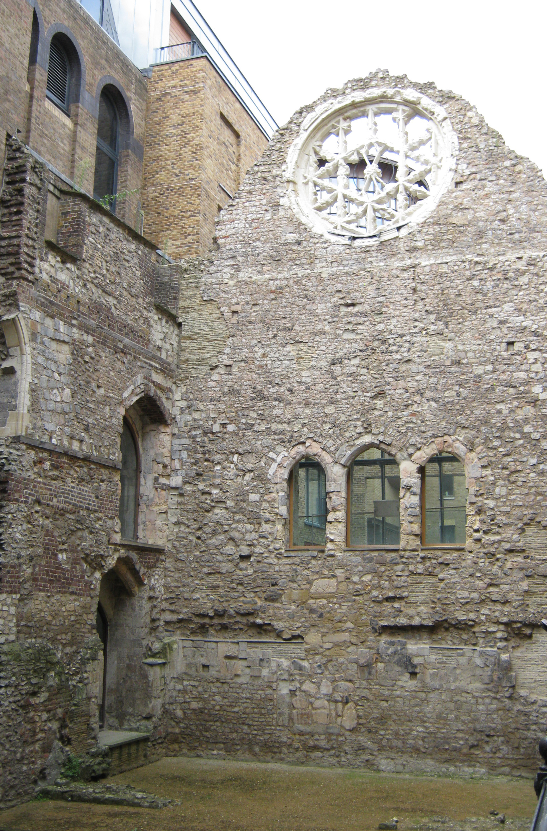 Remains of the Bishop of Winchester's Palace