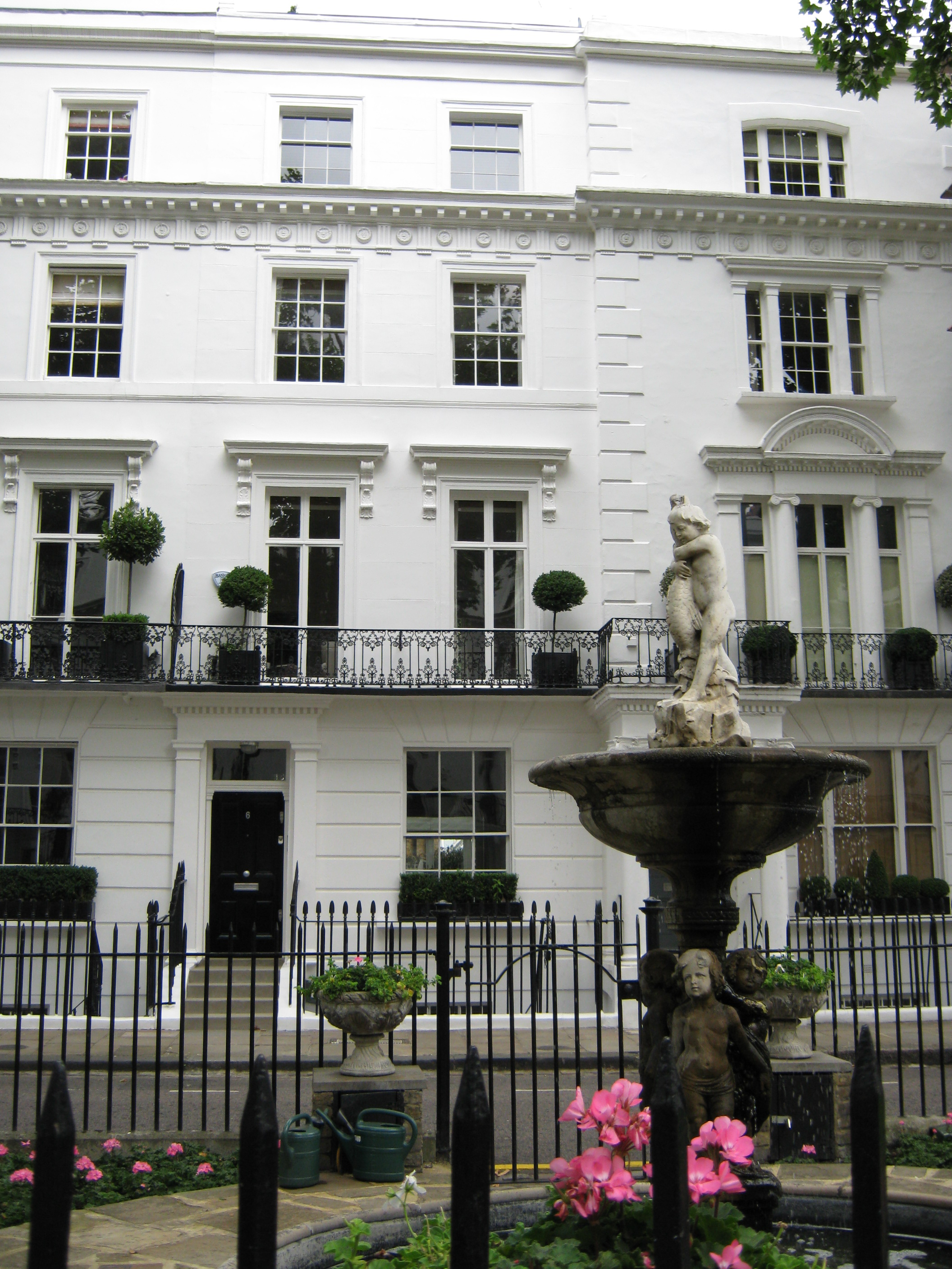 Wellington Square - Chelsea